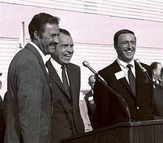 1968-nixon-laugh-in-55