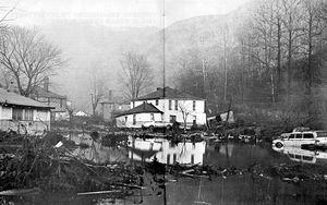 Buffalo_creek_flood_aftermath
