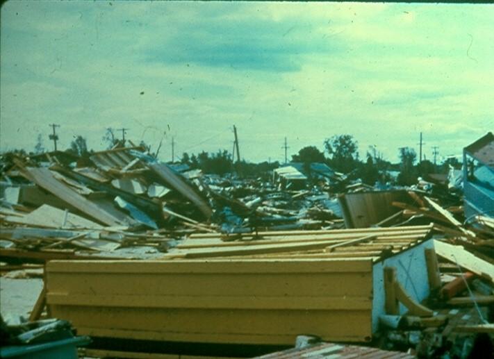 Grand_isle_tornado_02
