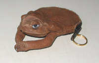 Cane_toad_keychain