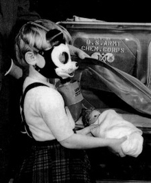 Disney_gas_mask_3