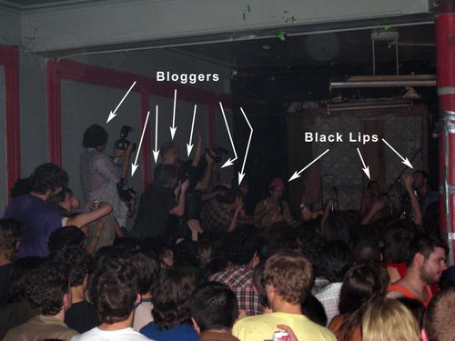 Blacklipsvsbloggers