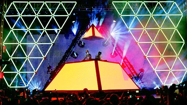 5) Daft Punk - Alive